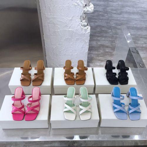 Фото Стильные босоножки на каблуке - ukrfashion.com.ua