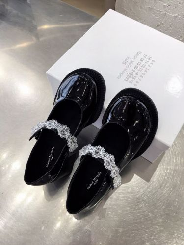 Фото Модные туфли на высоком каблуке Big Head Mary Jane shoes - ukrfashion.com.ua