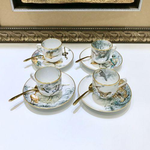 Чайный набор на 4 персоны из костяного фарфора