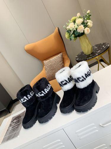 Фото Зимние женские замшевые сапоги с натуральной шерстью - ukrfashion.com.ua