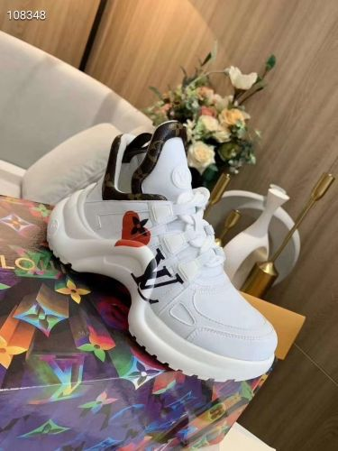Фото Модные кроссовки белые - ukrfashion.com.ua
