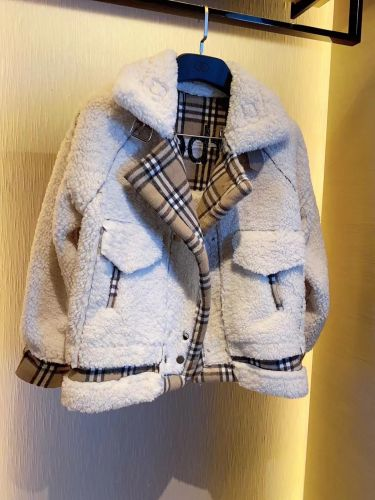 Фото Стильная женская куртка - ukrfashion.com.ua