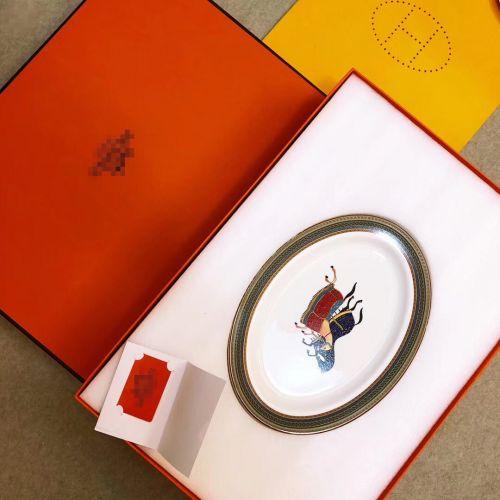Фото Набор столовых приборов из 53 предметов серии Eastern Horse, фарфор - ukrfashion.com.ua