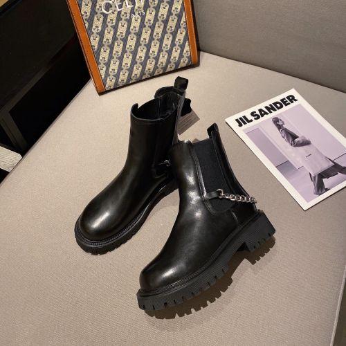 Ботинки с цепочкой