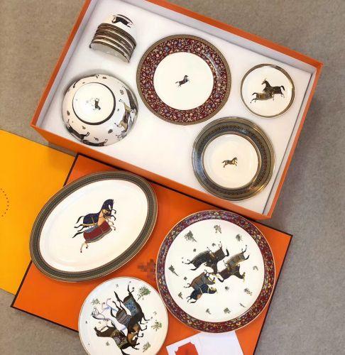 Фото Набор посуды серии Eastern Horse из 28 элементов, фарфор - ukrfashion.com.ua