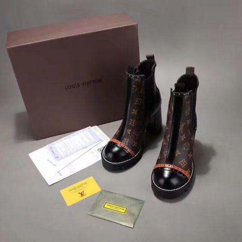 Фото Ботинки на шнуровке кожаные - ukrfashion.com.ua