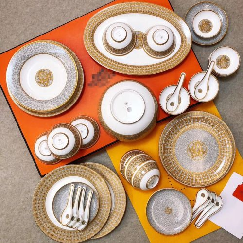 Фото Набор посуды из фарфора, 53 элемента, 24к позолота - ukrfashion.com.ua