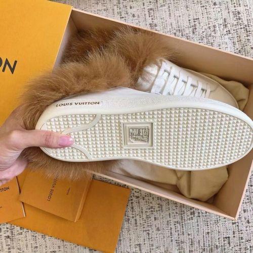 Фото Очень красивые кроссовочки с мехом - ukrfashion.com.ua