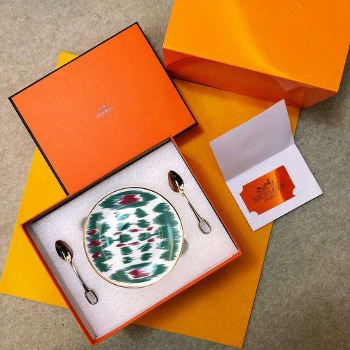Фото Набор посуды Ica Journey из 2-х чашек с блюдцами и 2 ложки - ukrfashion.com.ua