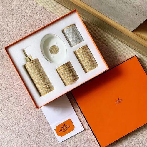 Коллекция Weather. Набор аксессуаров для ванной 5 предметов из фарфора