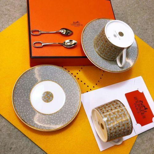 Фото Чайный сервиз Dongfang Junma с двумя ложками - ukrfashion.com.ua