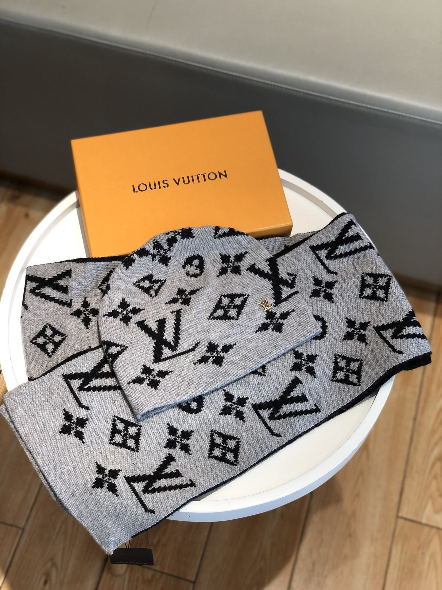 Louis Vuitton Шарф шапка