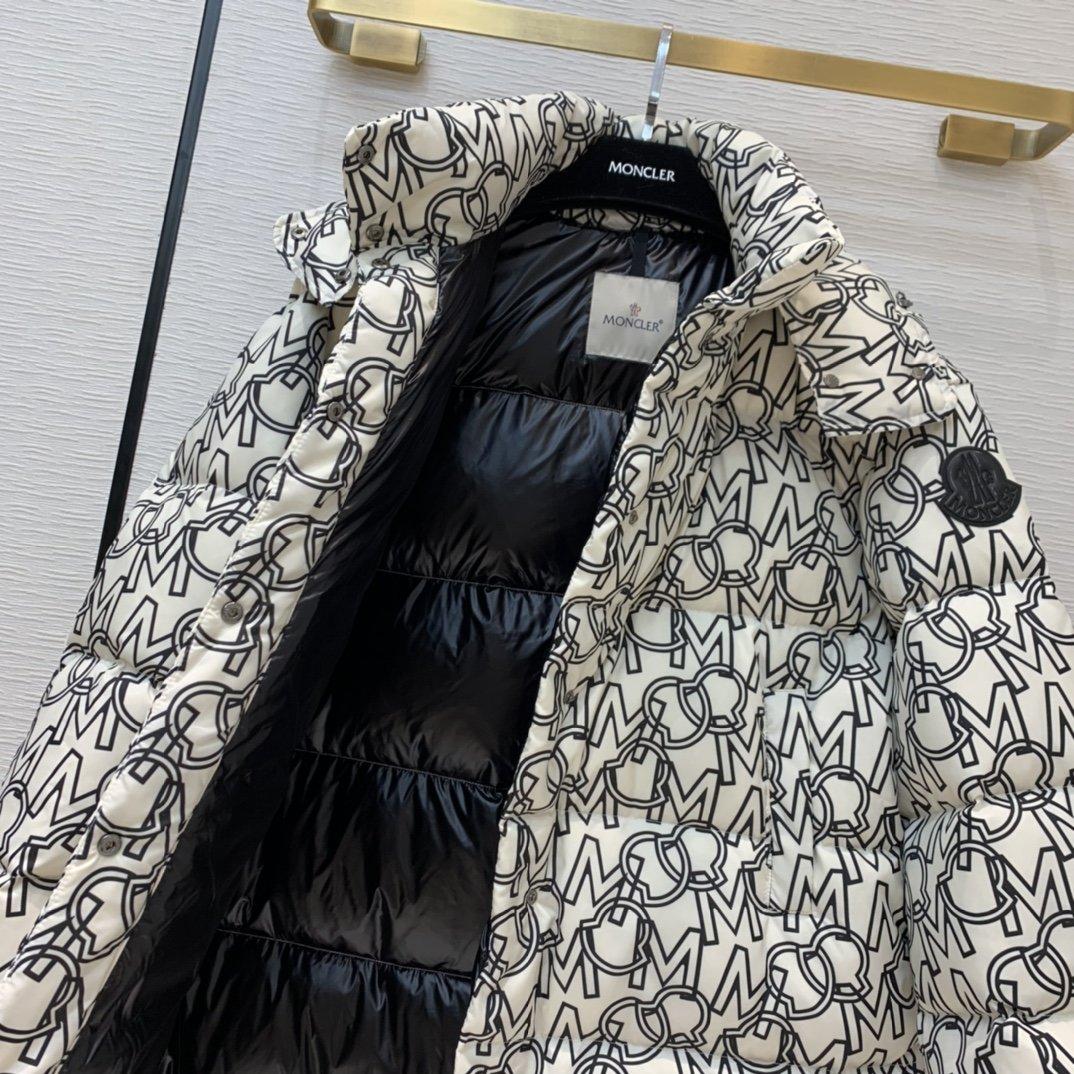 Moncler Куртка 200007