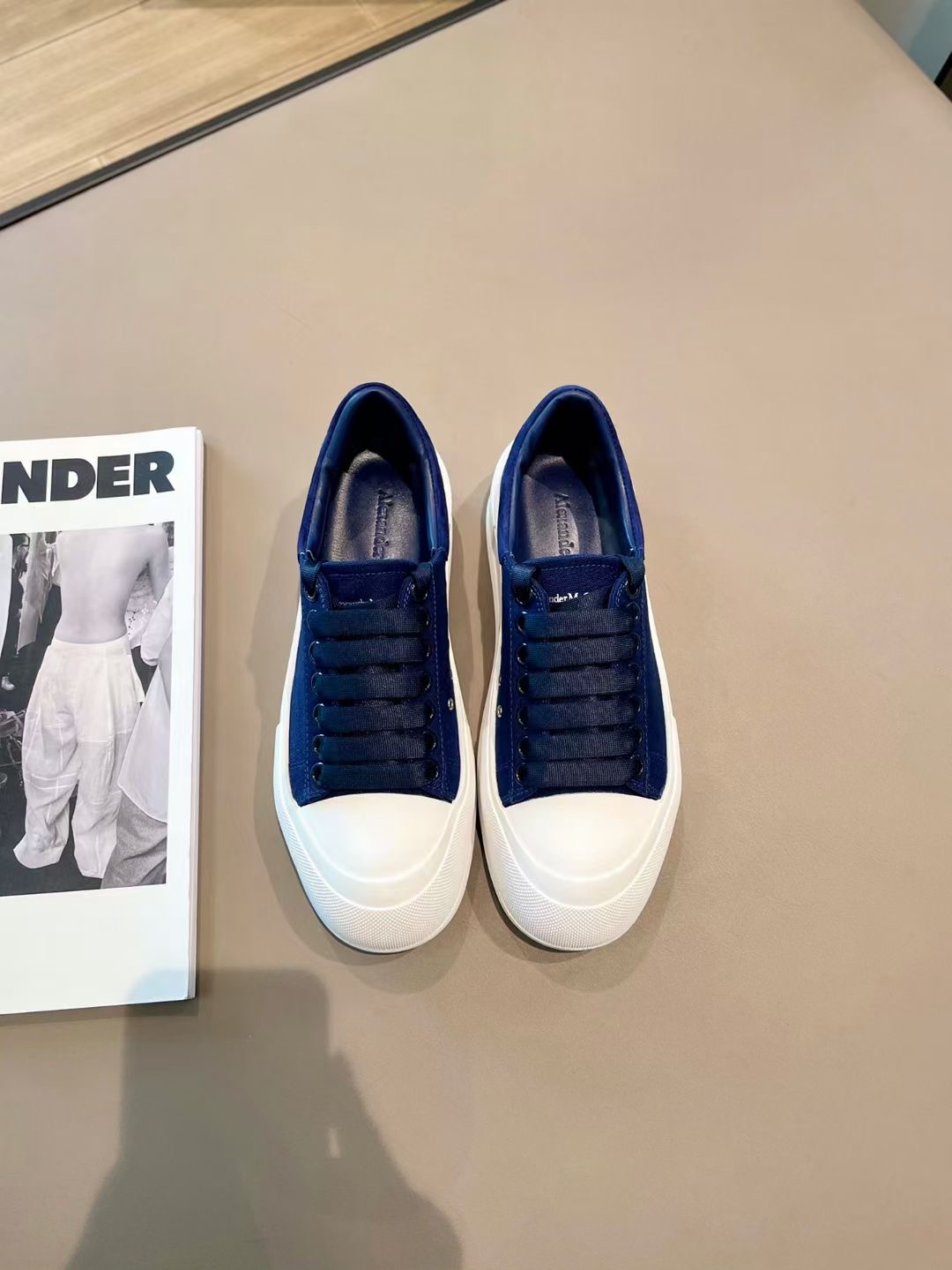 Alexander McQueen Кеды, синий цвет, коллекция 2021