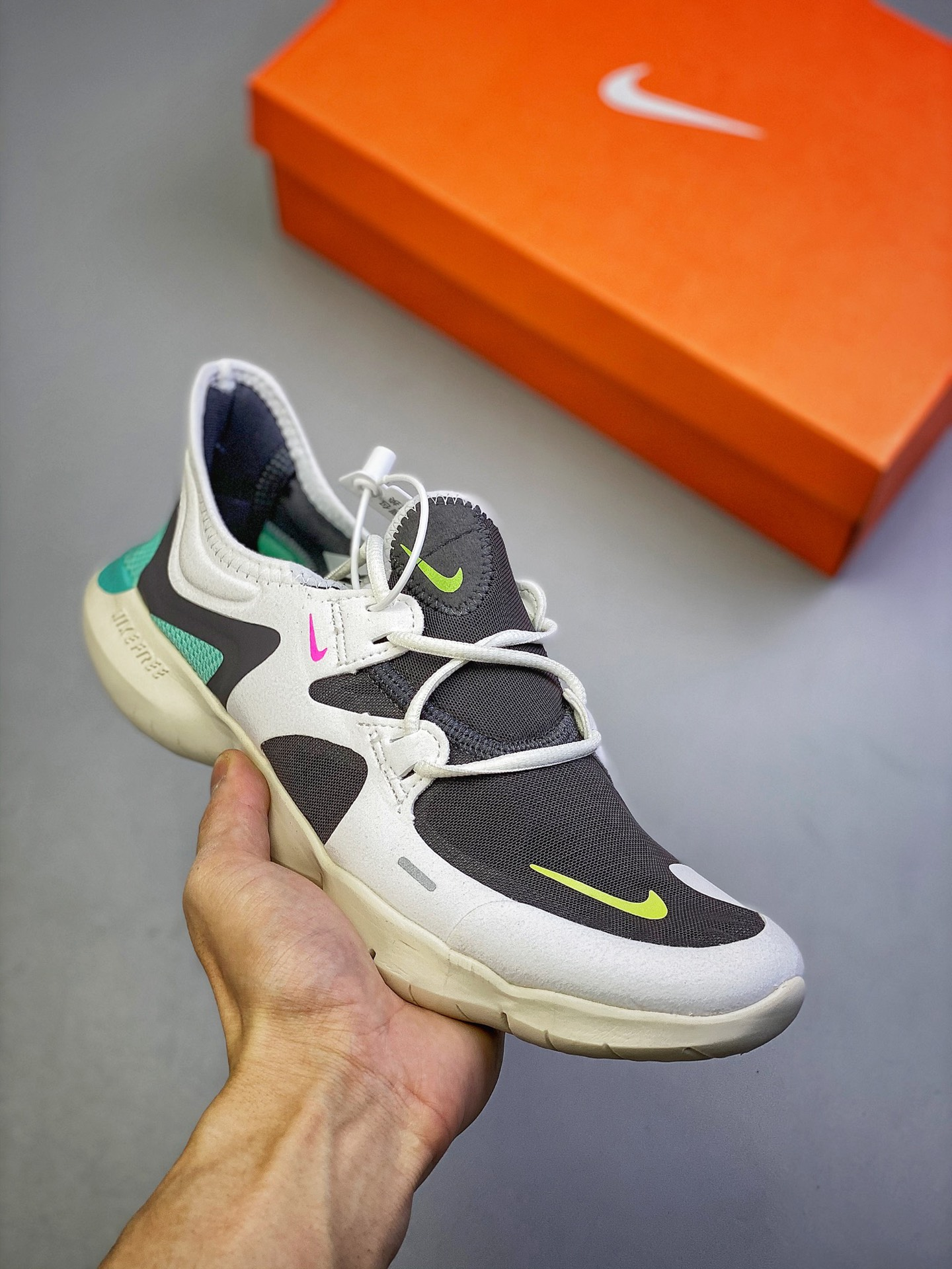 Фото Кроссовки Nike Wmns Free Rn 5.0 - ukrfashion.com.ua