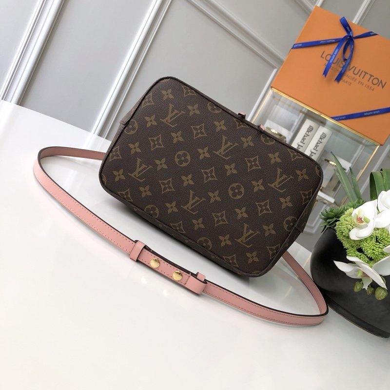 Louis Vuitton Сумка 215680