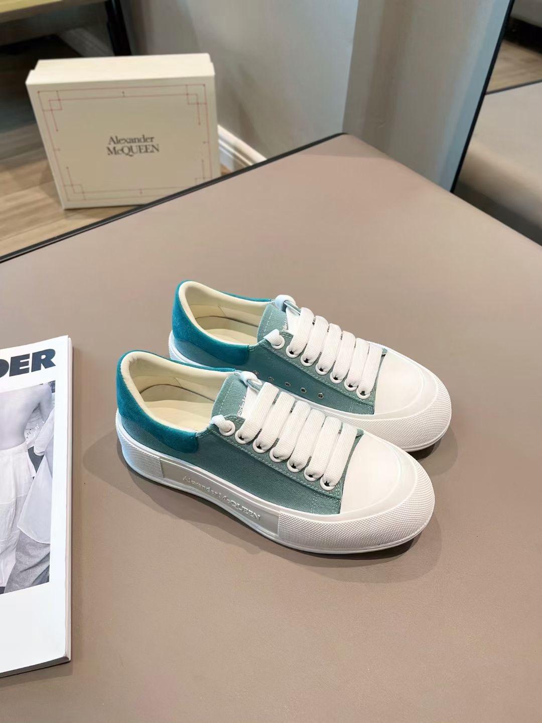 Alexander McQueen Кеды светло-голубые, коллекция 2021