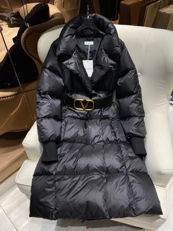 Valentino Пуховик женский (цвет черный и белый)