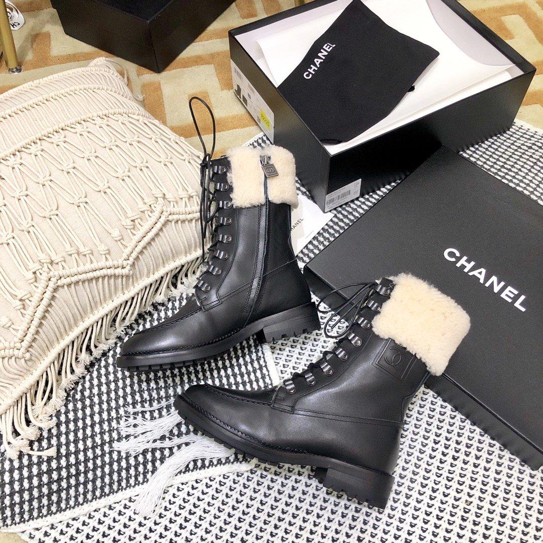 Chanel Ботинки осенне-зимние из натуральной кожи и мехом