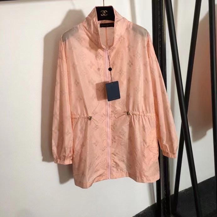 Louis Vuitton Костюм (ветровка и шорты)