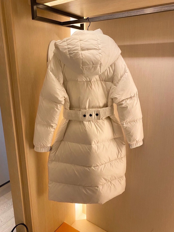 Moncler Пуховик зимний женский