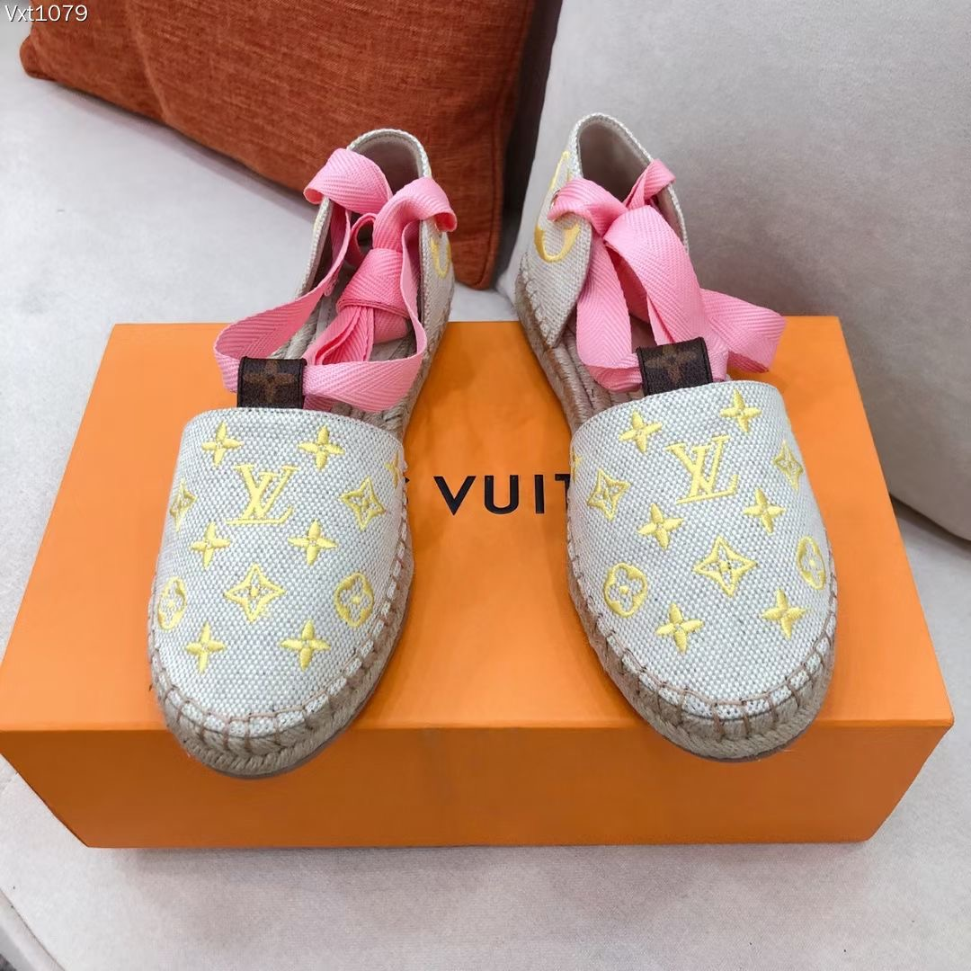 Louis Vuitton Мокасины женские, бежевые