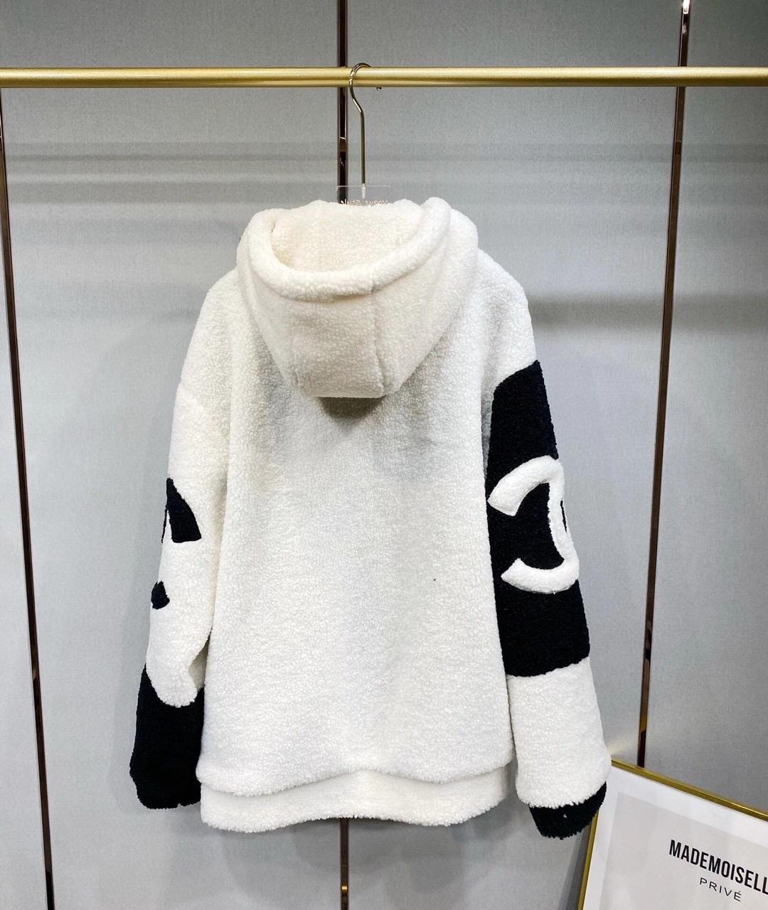 Dior Куртка зимняя, очень теплая