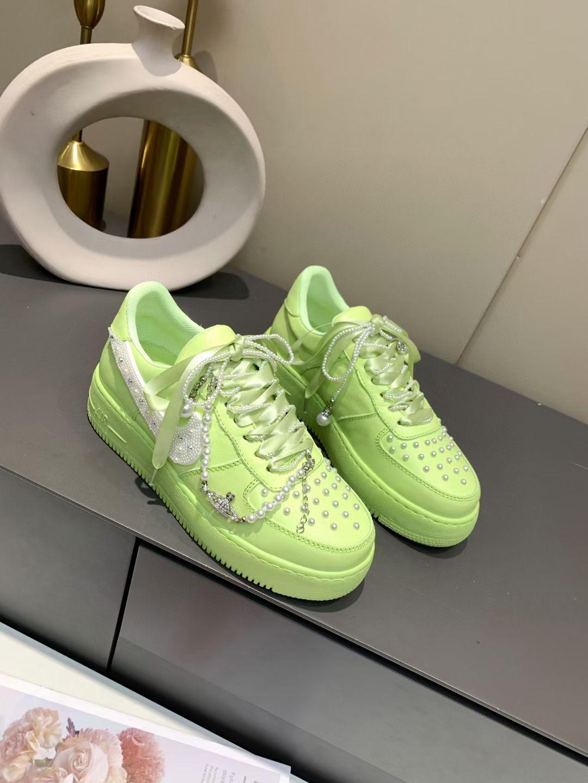 Nike Кроссовки женские, модель 2021 года
