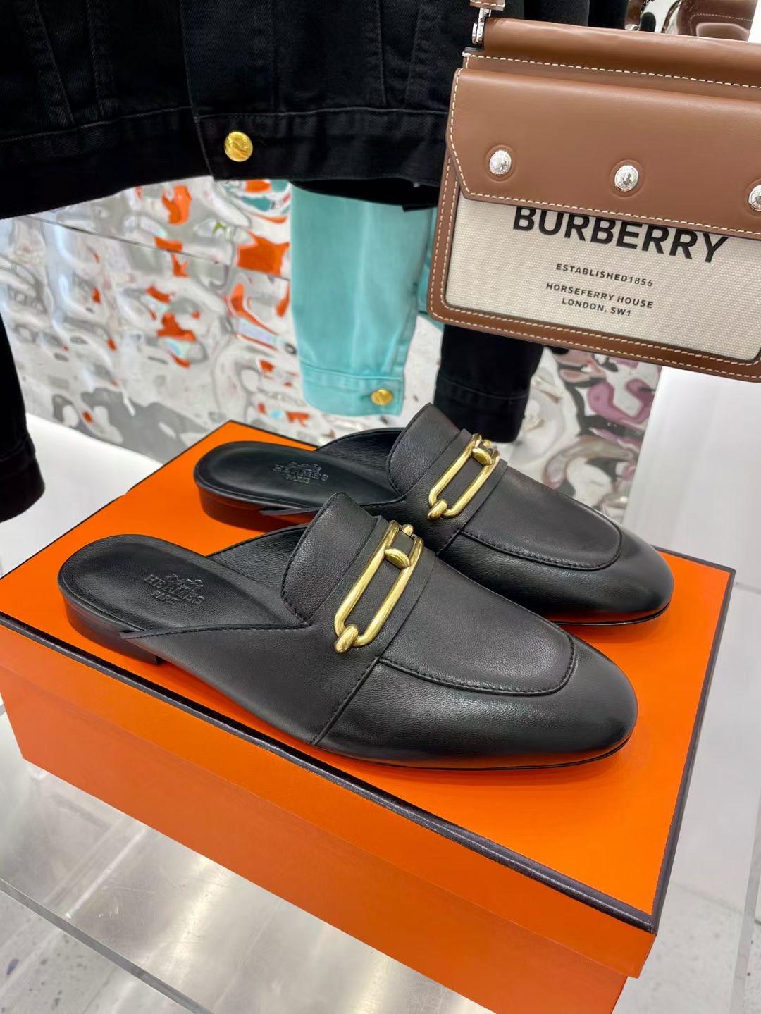 Фото Женские туфли с открытой пяткой, черные - ukrfashion.com.ua