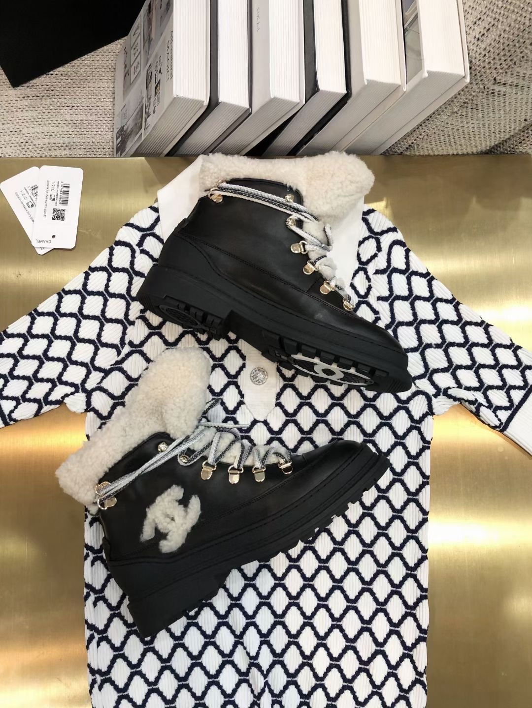 Chanel Ботинки с мехом из овечей шерсти