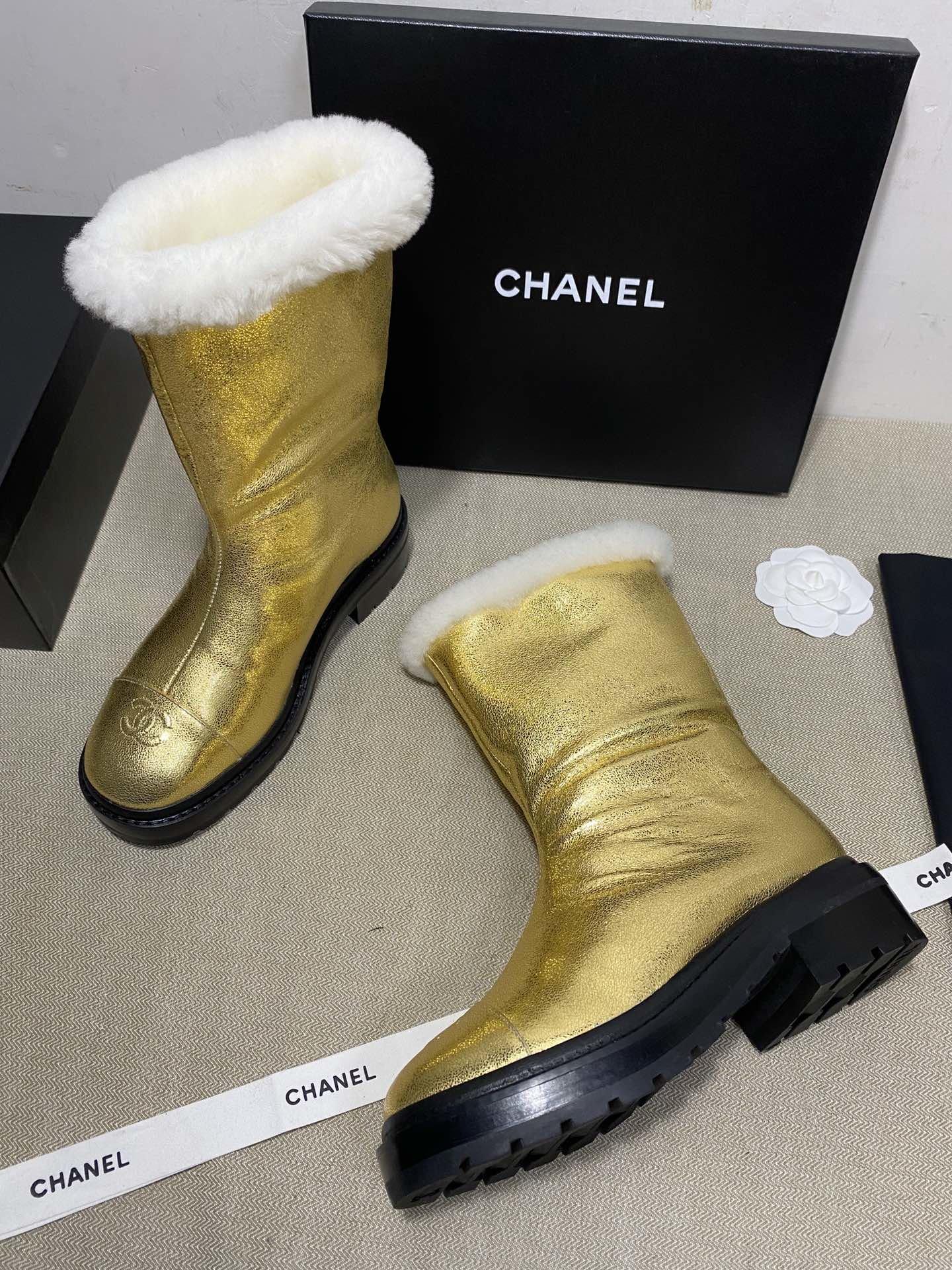 Chanel Сапоги золотые из натуральной конской кожи + мех