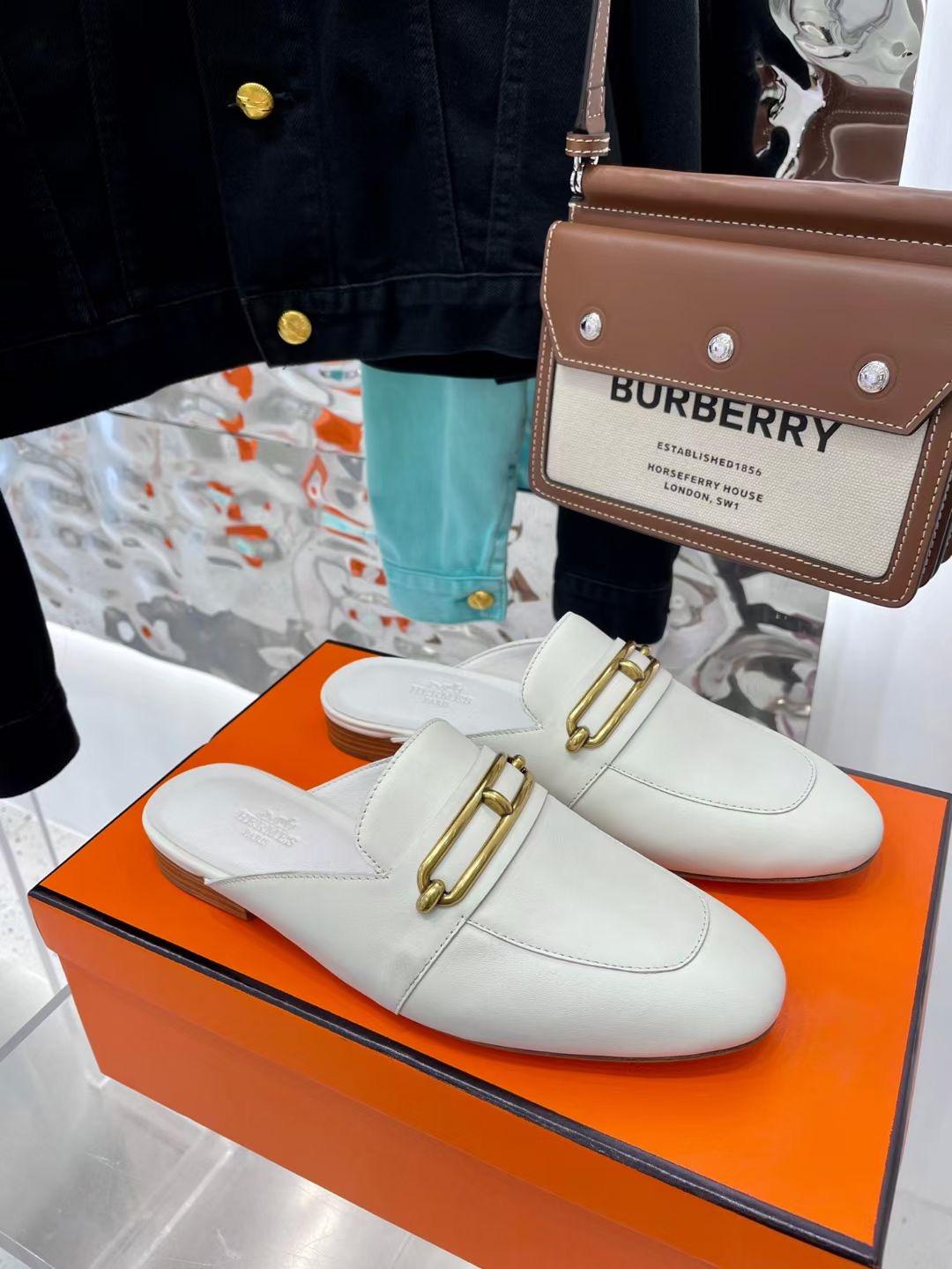 Фото Женские туфли с открытой пяткой, белые - ukrfashion.com.ua