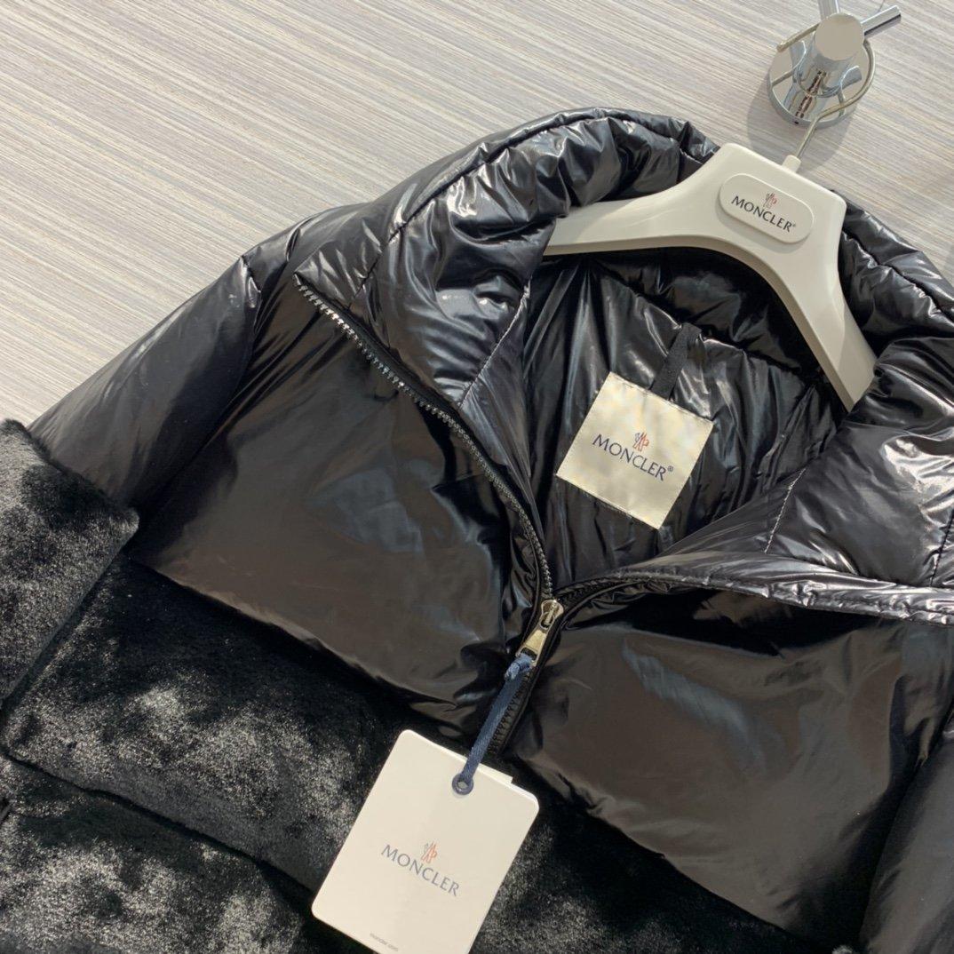 Moncler Куртка 200032