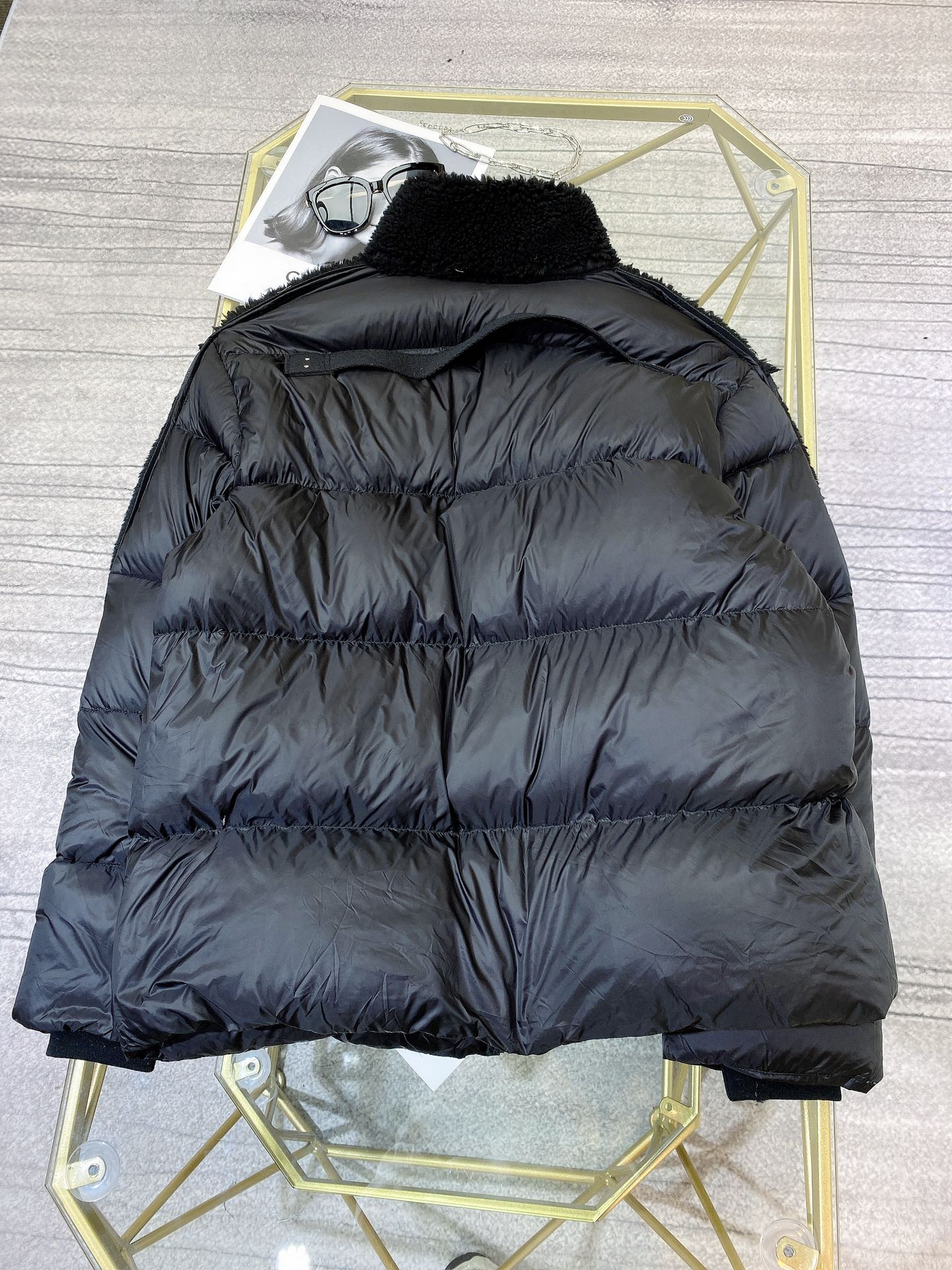 Moncler Женский зимний пуховик черный, верх натуральная овчина