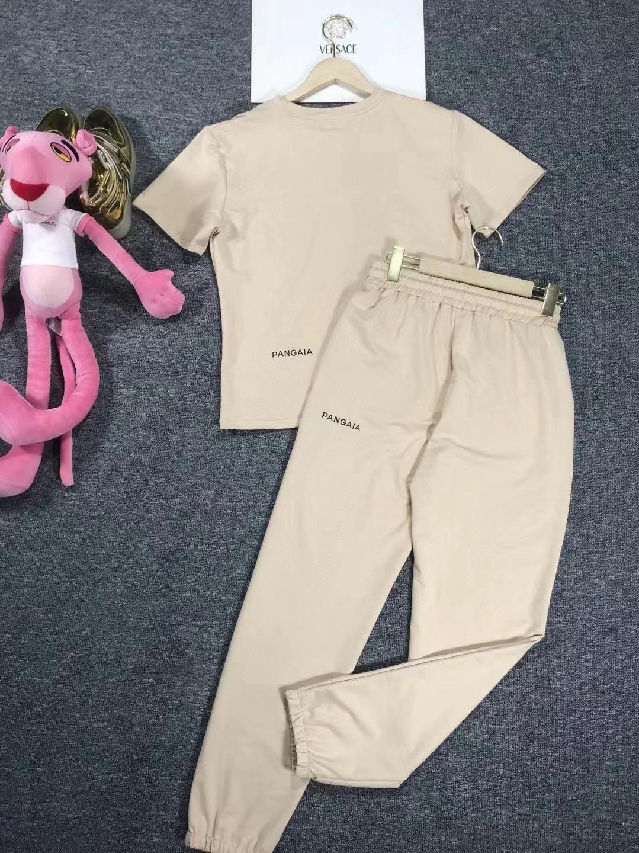 Versace Костюм бежевый (футболка + штаны)