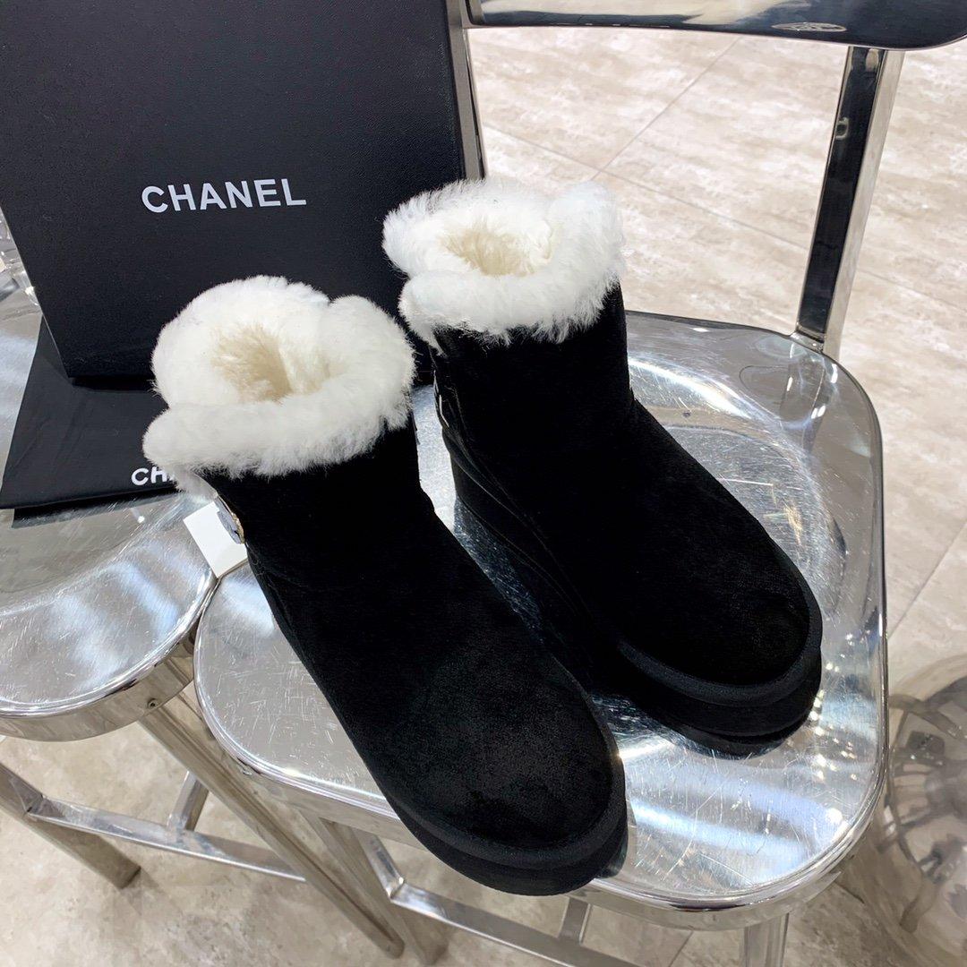 Chanel Угги из натуральной замши и мехом