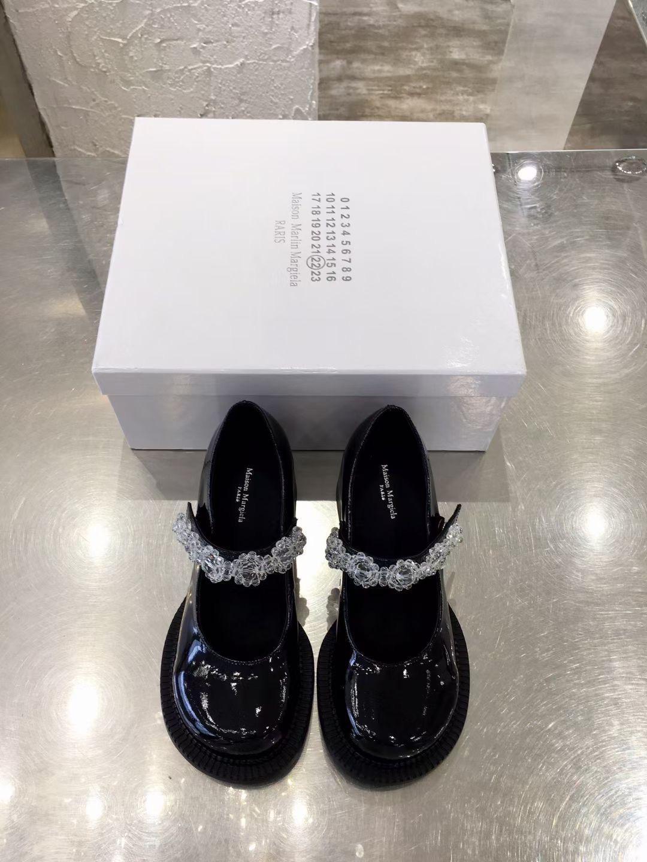 Maison Margiela Модные туфли на высоком каблуке Big Head Mary Jane shoes