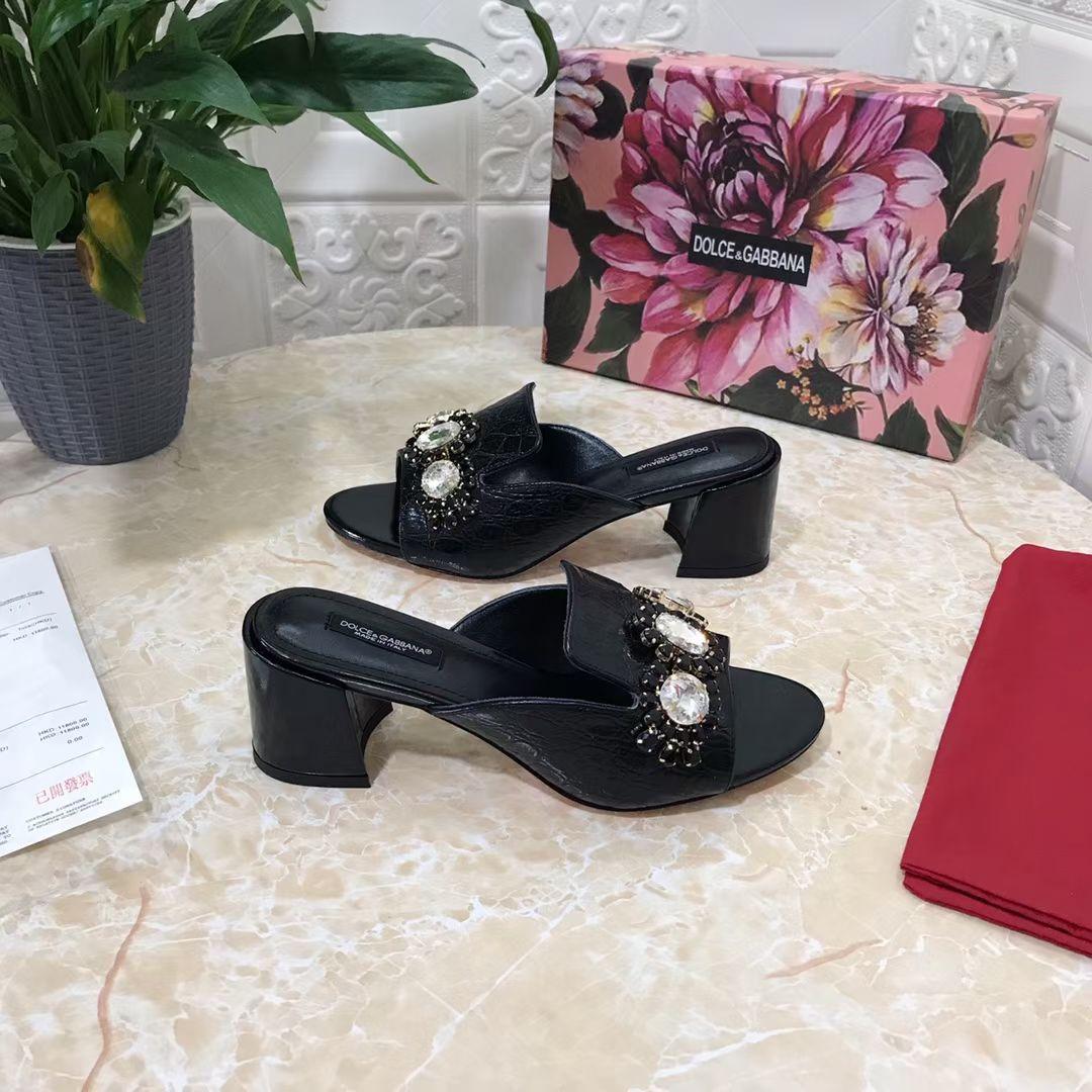 Dolce & Gabbana Босоножки из коллекции 2021 года, цвет черный, натуральная кожа