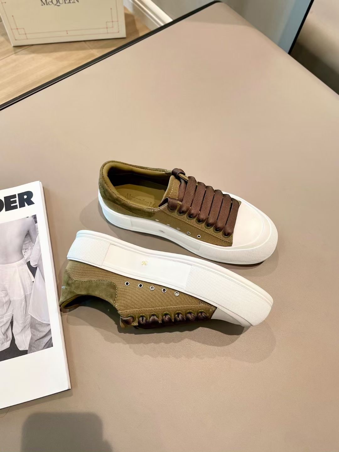 Alexander McQueen Кеды, коричневые, коллекция 2021
