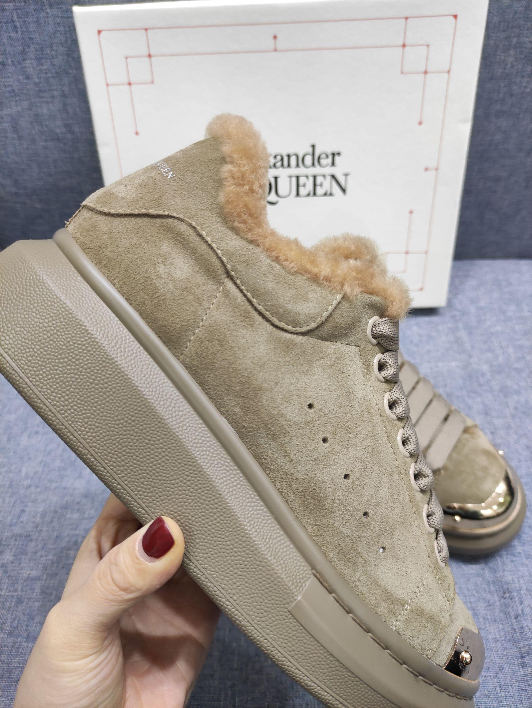 Alexander McQueen Ботинки зимние женские замшевые с мехом