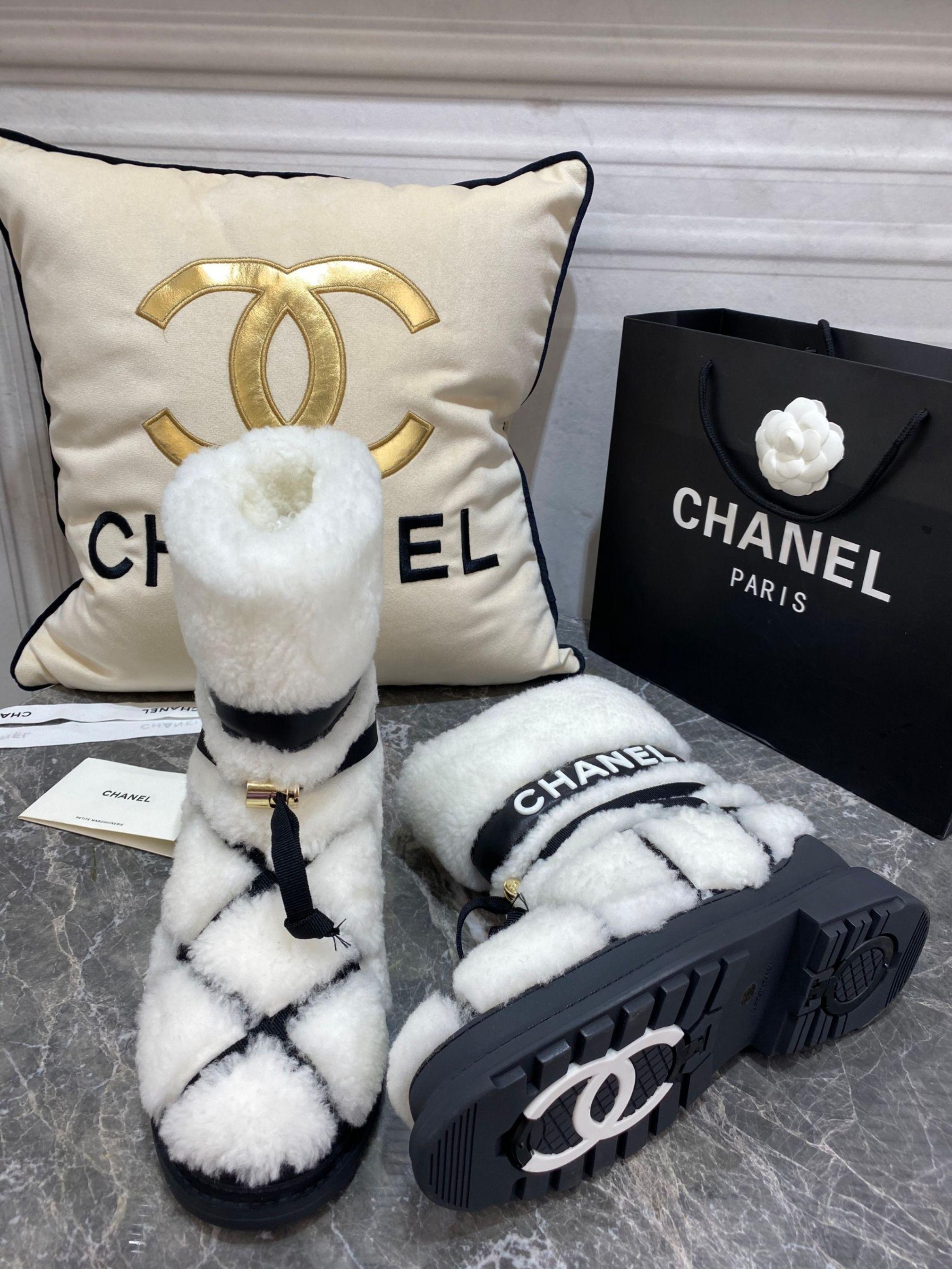 Chanel Угги из натуральной овчины