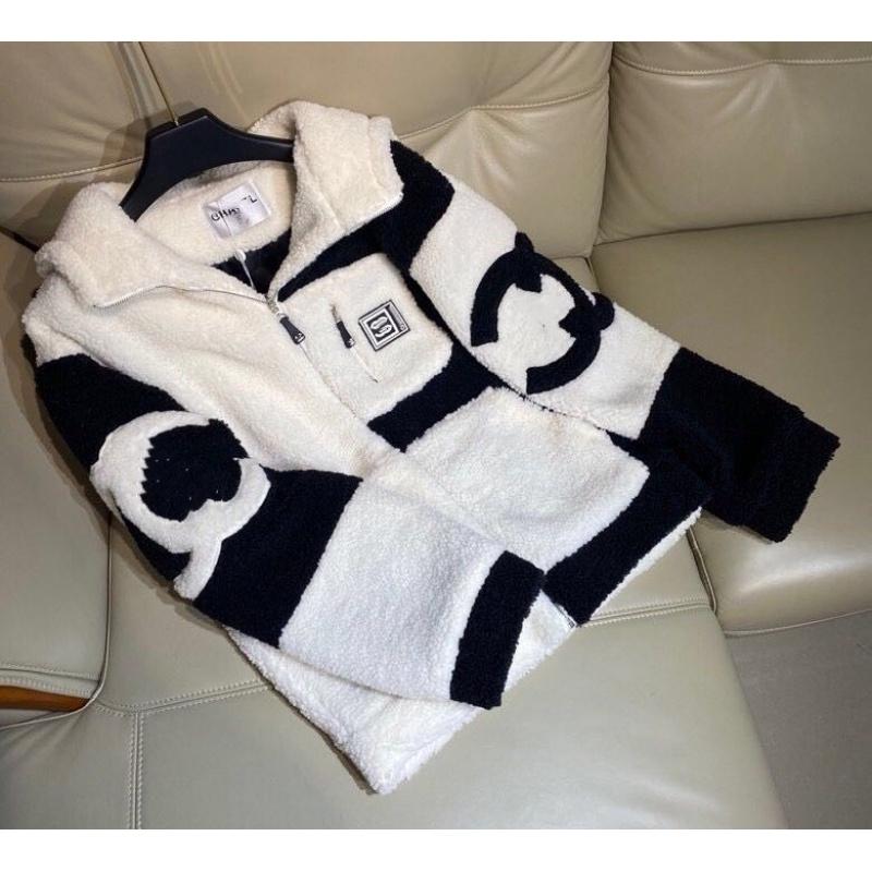 Chanel Куртка из овечьей шерсти утолщенная