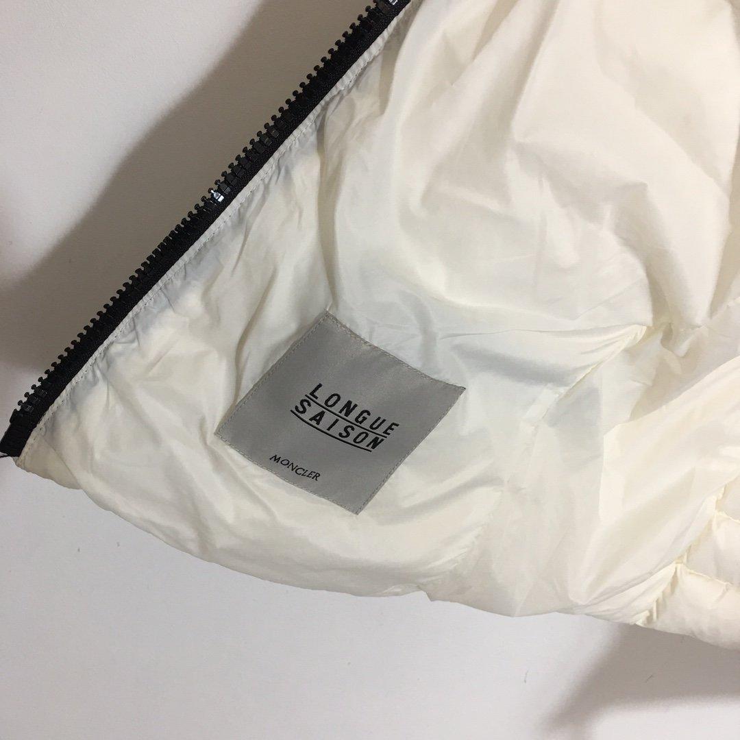 Moncler Куртка 193389